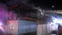 AHŞAP EV - Düzce'de İki Katlı Ahşap Ev Yandı