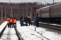 YOLCU TRENİ - Moskova Treninde Bomba Paniği