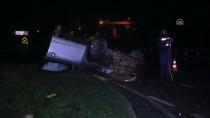 KORUCUK - Sakarya'da Refüje Çarpan Otomobil Devrildi Açıklaması 1 Ölü