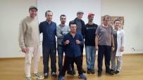 AHŞAP OYUNCAK - ''Söz'' Dizisi Oyuncuları Engelliler Sarayı'nı Ziyaret Etti
