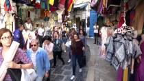 RIYAD - Tunus'ta Bir Osmanlı Mirası Açıklaması Karagöz Oyunu