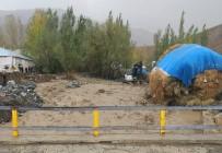 Yüksekova Adaklı Köyü Sel Suları Altında Kaldı