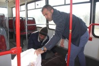 FELSEFE - Bozuk Halk Otobüsünde Kalan Adama Devlet Sahip Çıktı