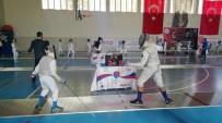 CAN AKSOY - Gölbaşı'nda  Eskrim Cumhuriyet Turnuvası Başladı