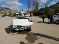 İspir'de Trafik Kazası 2 Yaralı