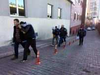 ERKILET - İstanbul'dan Gelerek Hırsızlık Yapan 5 Şüpheli Yakalandı
