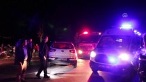 GÖKKAYA - Kocaeli'de İki Otomobil Çarpıştı Açıklaması 5 Ölü, 3 Yaralı