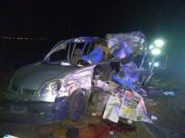 KıRıM - Otomobil Tıra Arkadan Çarptı Açıklaması 3 Ölü, 2 Yaralı