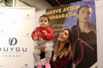 Survivor Merve Aydın, Nissara AVM'de İmza Gününe Katıldı
