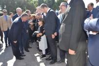 AHMET AKıN - Balıkesir'de Cumhuriyet Bayramı Çelenk Sunumu İle Başladı