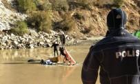 Dereye Yuvarlanan Kamyon Sürücüsünün Cansız Bedenine Ulaşıldı