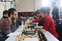 Elazığ'da Satranç Turnuvasına Büyük İlgi