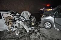 İki Otomobil Çarpıştı Açıklaması 2 Ölü, 5 Yaralı
