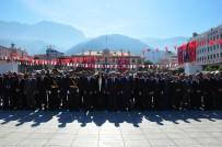 MUSTAFA HAKAN GÜVENÇER - Manisa'da Cumhuriyet Bayramı Çelenk Sunma Töreni Yapıldı