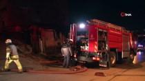 GECEKONDU - İstanbul'da geceyi alevler aydınlattı