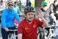 BİSİKLET TURU - Tuzla'da Pedallar Cumhuriyet İçin Çevrildi