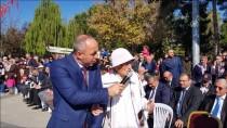 Asırlık Çınar Kıymet Öğretmen Bayramda Şiir Okudu