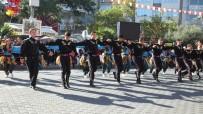 HÜSEYIN ÖNER - Burhaniye'de Cumhuriyet Bayramı Coşkusu Yaşandı