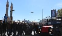FOLKLOR GÖSTERİSİ - Cumhuriyet'in Temellerinin Atıldığı Sivas'ta Bayram Coşkusu