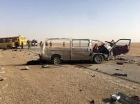 KERBELA - Irak'ta Turist Otobüsü Kaza Yaptı Açıklaması 10 Ölü