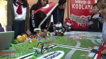 Kodladıkları Robotlarla Cumhuriyet Bayramını Kutladılar