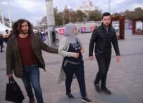 TAKSIM - (Özel) Taksim'de Filistinli Kadının Bileziğini Çalan Suriyeli Yakalandı