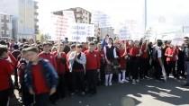 DİŞ FIRÇASI - Ardahan'da Dünya Yürüyüş Günü Etkinliği