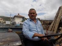 ALI ÖZDEMIR - Kendisinden İki Yaş Büyük Traktörüyle Üretmeye Devam Ediyor