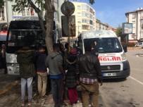 OTOBÜS TERMİNALİ - Keşan'da 120 Kaçak Göçmen Yakalandı