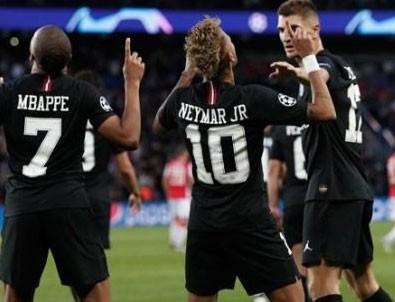 Neymar coştu PSG farka koştu!