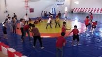 GÜREŞ TAKIMI - Suriyeli Çocuklara Güreşle Rehabilite