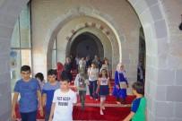 KERVANSARAY - Tur Otobüsü 20 Bin Kişiye Battalgazi'yi Gezdirdi