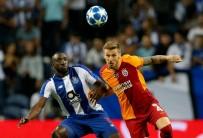 SELÇUK İNAN - UEFA Şampiyonlar Ligi Açıklaması Porto Açıklaması 0 - Galatasaray Açıklaması 0 (İlk Yarı)