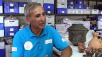 Assos'ta 2 Bin Yıllık Bronz 'Strigilis'ler Bulundu