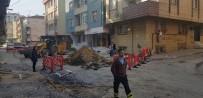 ALT YAPI ÇALIŞMASI - Doğalgaz Borusu Delindi, Bir Adan Alevler Yükseldi