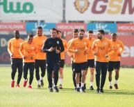 METİN OKTAY - Galatasaray Derbi Hazırlıklarını Sürdürdü