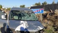 MEHMET KıLıNÇ - Kilis'te Trafik Kazası Açıklaması 3 Yaralı