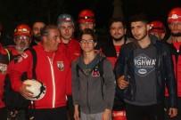 ŞELALE - Spil Dağı'nda Mahsur Kalan Öğrenciler 6 Saat Sonra Kurtarıldı