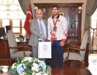 MUSTAFA HAKAN GÜVENÇER - Vali Güvençer, Dünya Üçüncüsü Judocuyu Ödüllendirdi