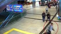 SAO PAULO - Atatürk Havalimanı'nda İtalyan Ve Kolombiyalı Yolcular Kokainle Yakalandı