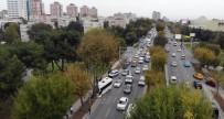SAHİL YOLU - Bakırköy'de Kaza Nedeniyle Kitlenen Sahil Yolu Trafiği Havadan Görüntülendi