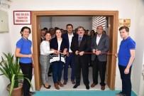 AKILLI TAHTA - Bilecik Belediyesi'nden Meslek Lisesine Kütüphane Ve Satranç Odası
