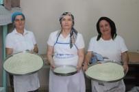 BOŞNAK - Bu İlçede Börek Kadınların Ekmek Kapısı