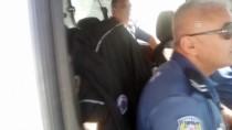 ARBEDE - Hırsızlık Zanlıları Kaçtıkları Araçla Kaza Yapınca Yakalandı