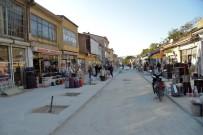 Kırşehir'de Alışverişin Merkezi Yeni Görünümü İle İlgi Odağı Oldu