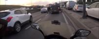 SEFAKÖY - (Özel) E-5 Karayolu'nda Motosikletliden Yumruk Yiyen Sürücü Çılgına Döndü