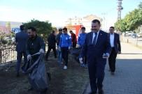 Solhan'da İlçe Protokolü Ve Öğrenciler Çöp Topladı