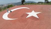 TÜRK BAYRAĞI - Dev Bayrak Özenle Yenilendi