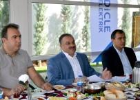 Dicle Elektrik Yöneticileri Basın Mensupları İle Sohbet Toplantısında Buluştu