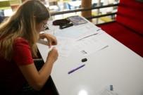 BUCA BELEDİYESİ - Gençler, Işılay Saygın Gençlik Merkezi'ni Sevdi